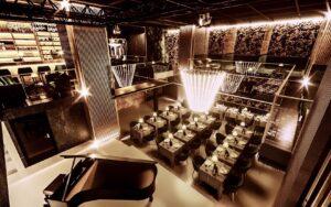 Der Dinner-Floor bietet ungefähr 90 Gästen Platz