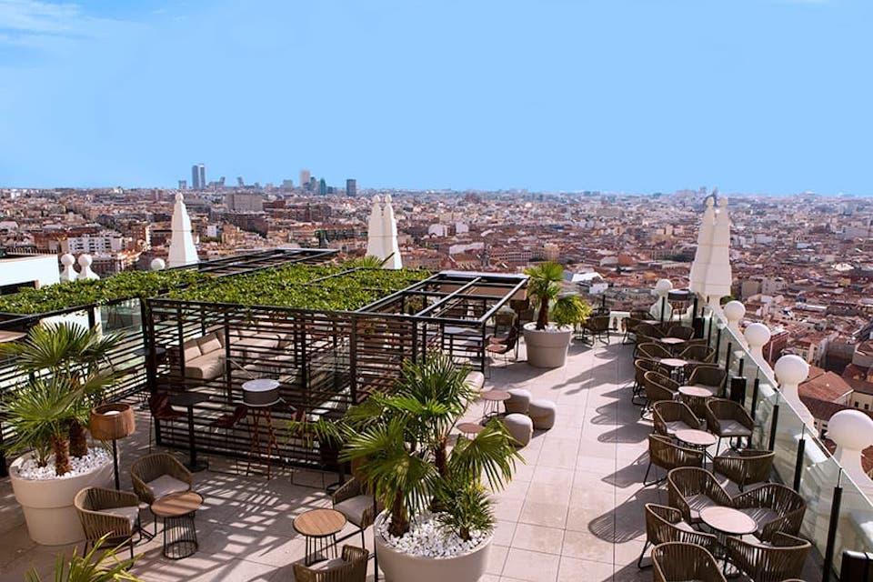 Terrassenbar des Hotels Riu Plaza España